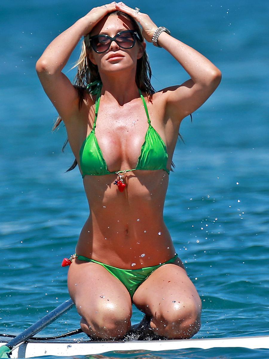 amateur-bikini-malfunction-pee-wild
