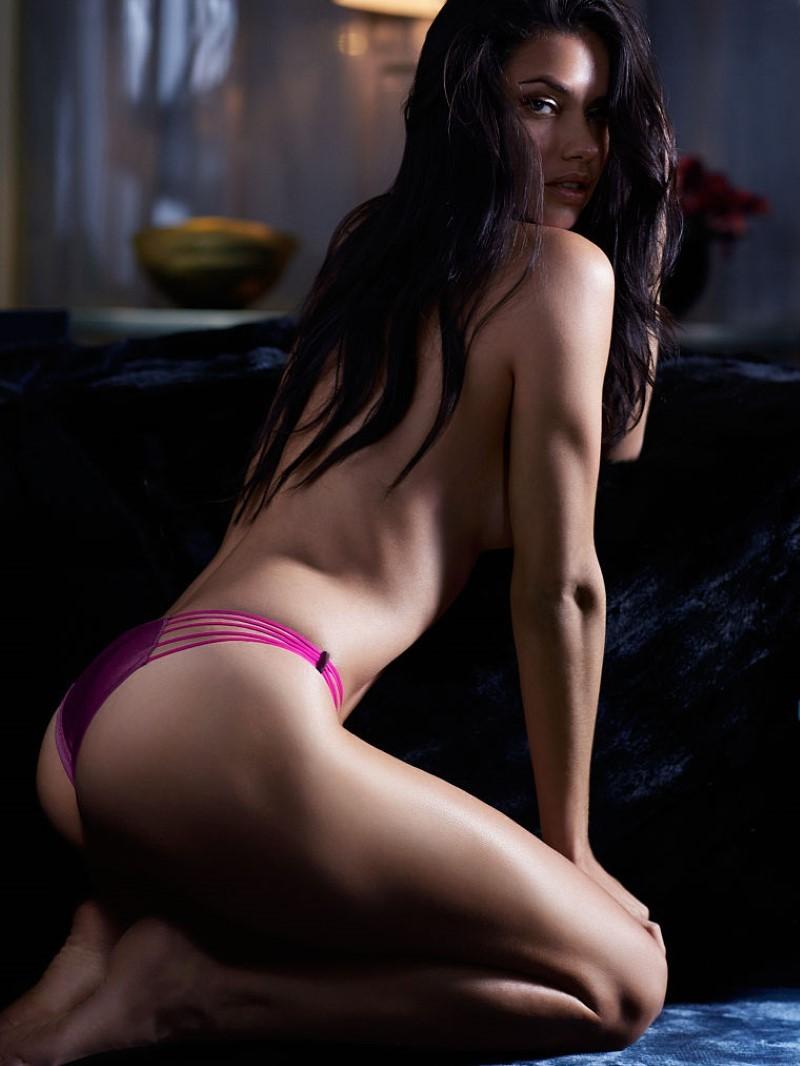 Adriana Lima Nude Ass