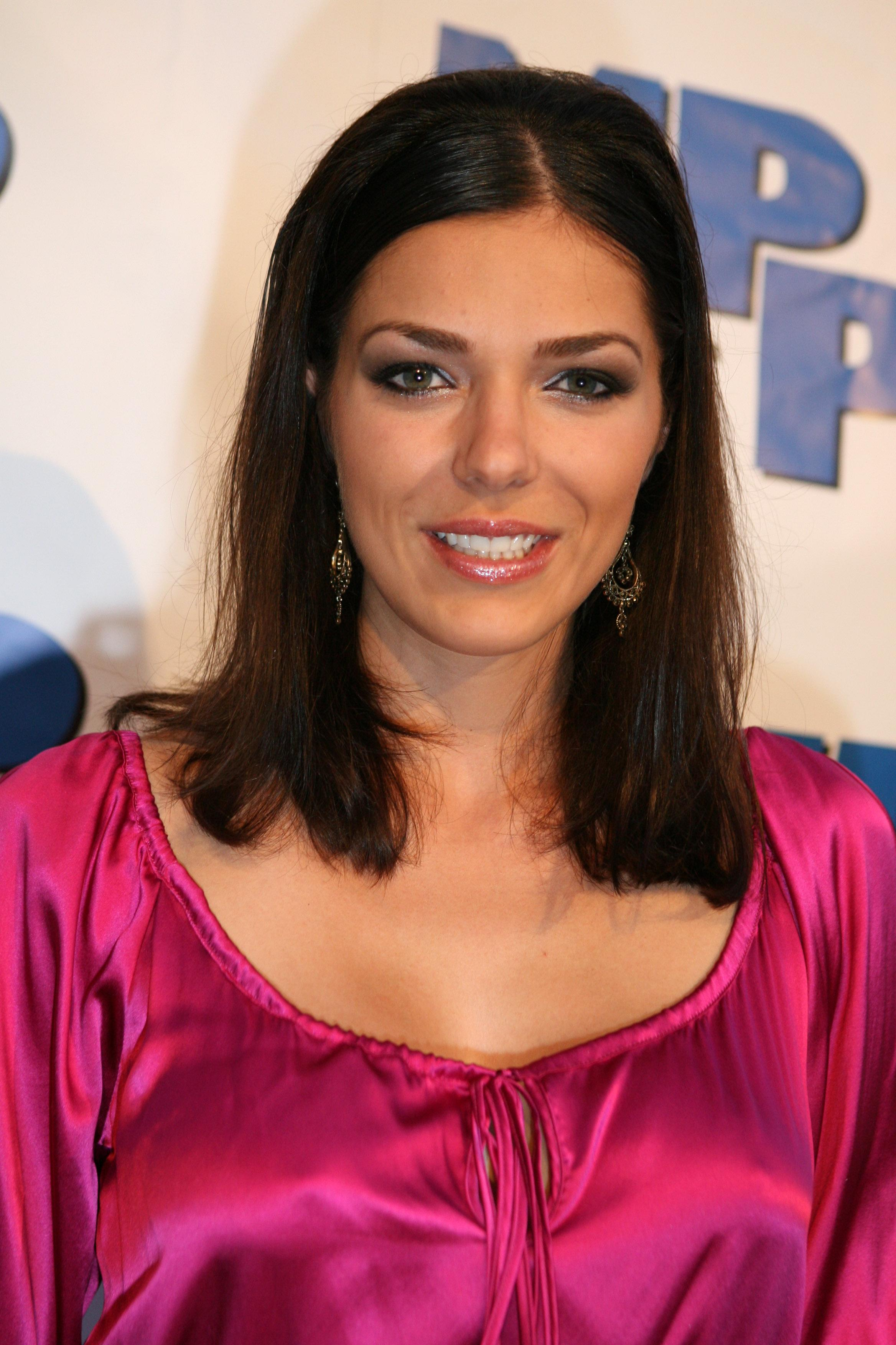 Adrianne curry rides sybian 5