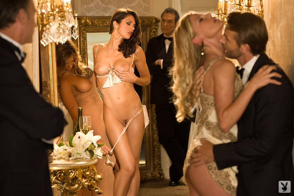 Adrianne curry naked photos hilton pussy