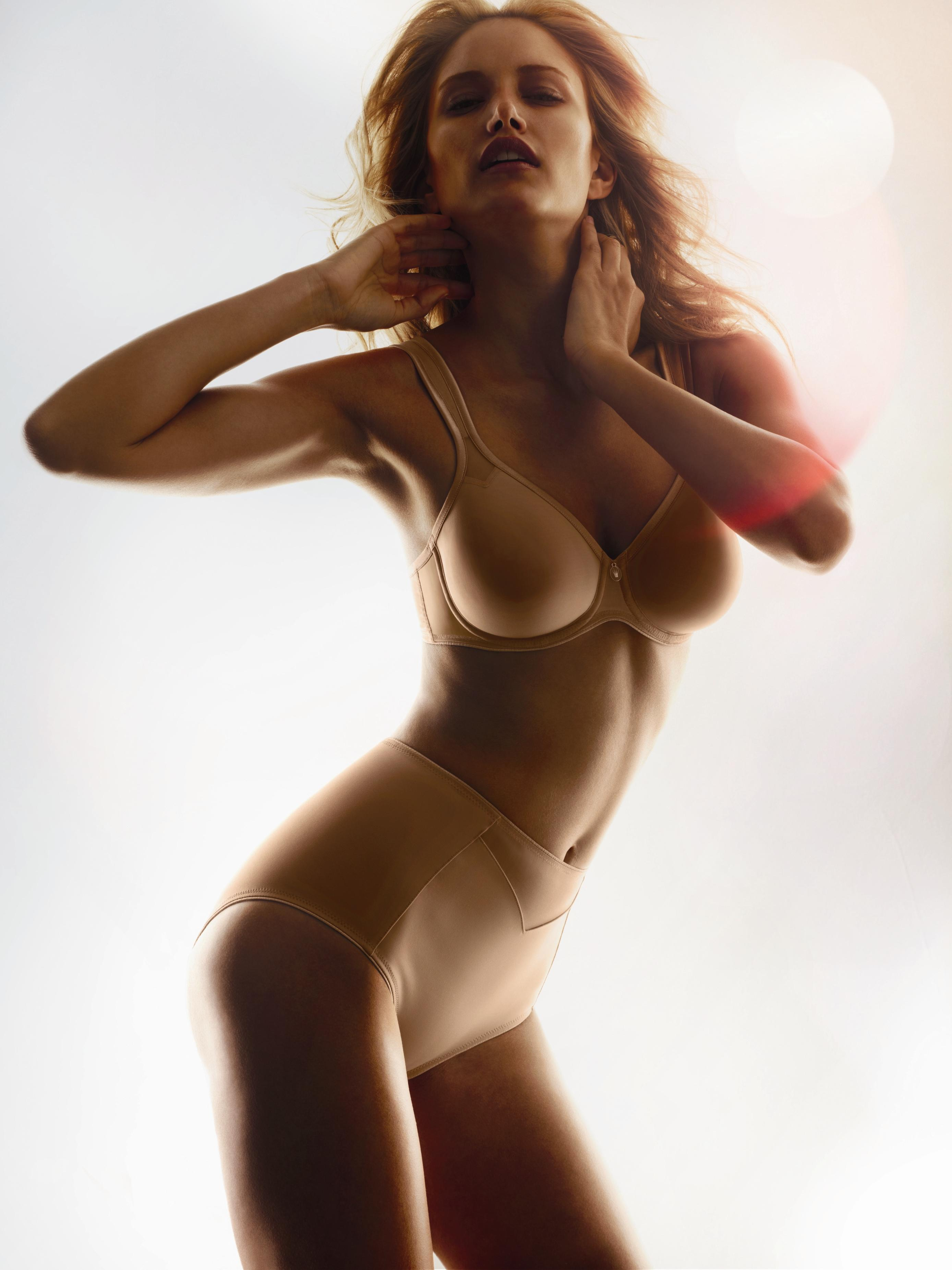Alba Carrillo Porn lingerie - photo de alba carrillo dans lingerie