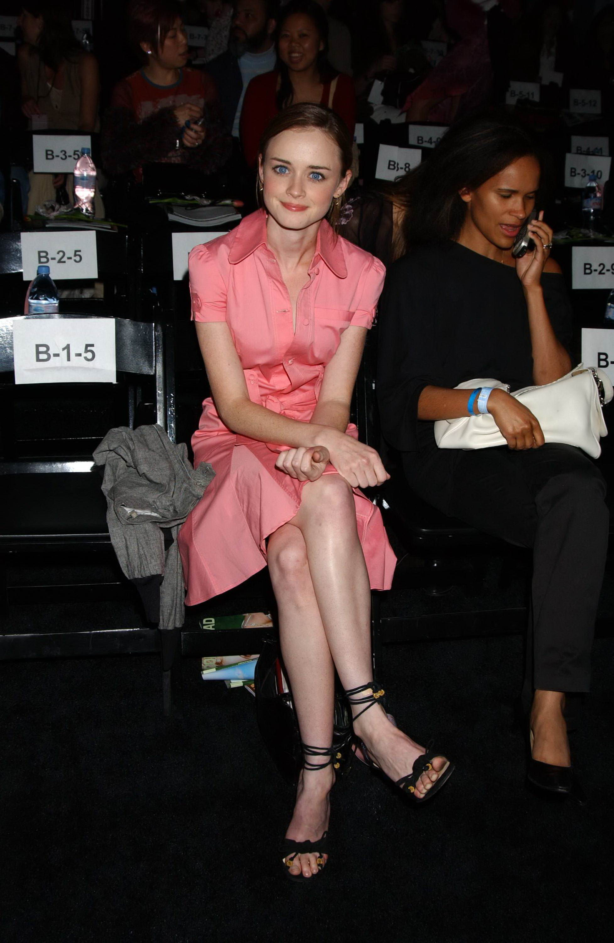 Alexis bledel mad men s5e09 - 3 part 5