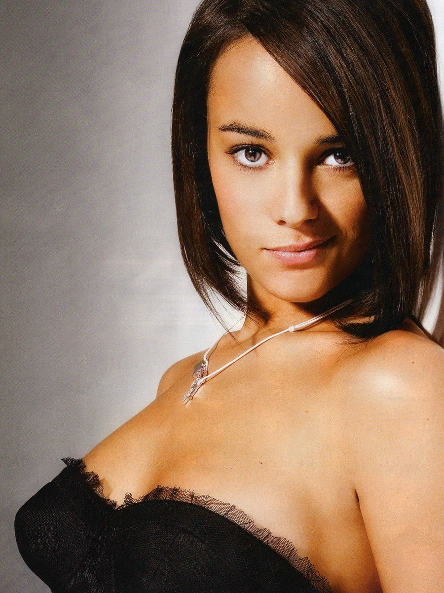 Alizee Nuda alizée nude, naked - pics and videos - imperiodefamosas