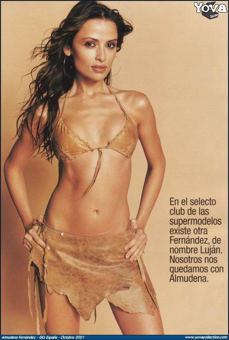 Almudena Fernandez  nackt