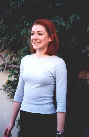 Alyson Hannigan Nude - Page 9 Pictures, Naked, Oops, Topless, Bikini, Video, Nipple-8402