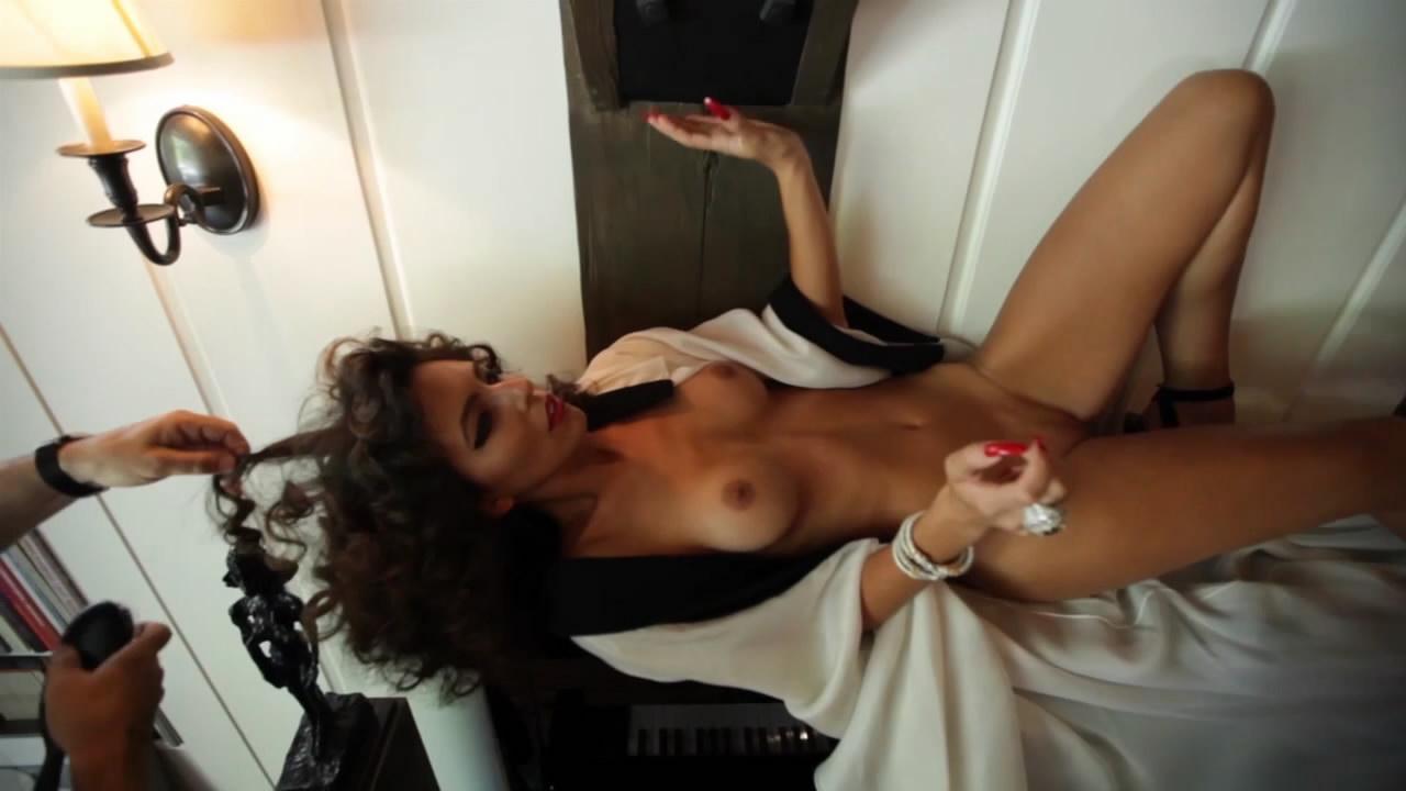spring breakers naked flashing pussy fucking