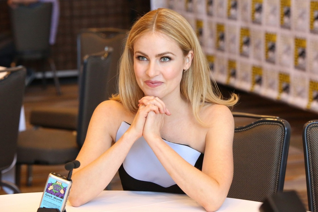 Amanda Schull Nude Scenes amanda schull - page 2 pictures, naked, oops, topless