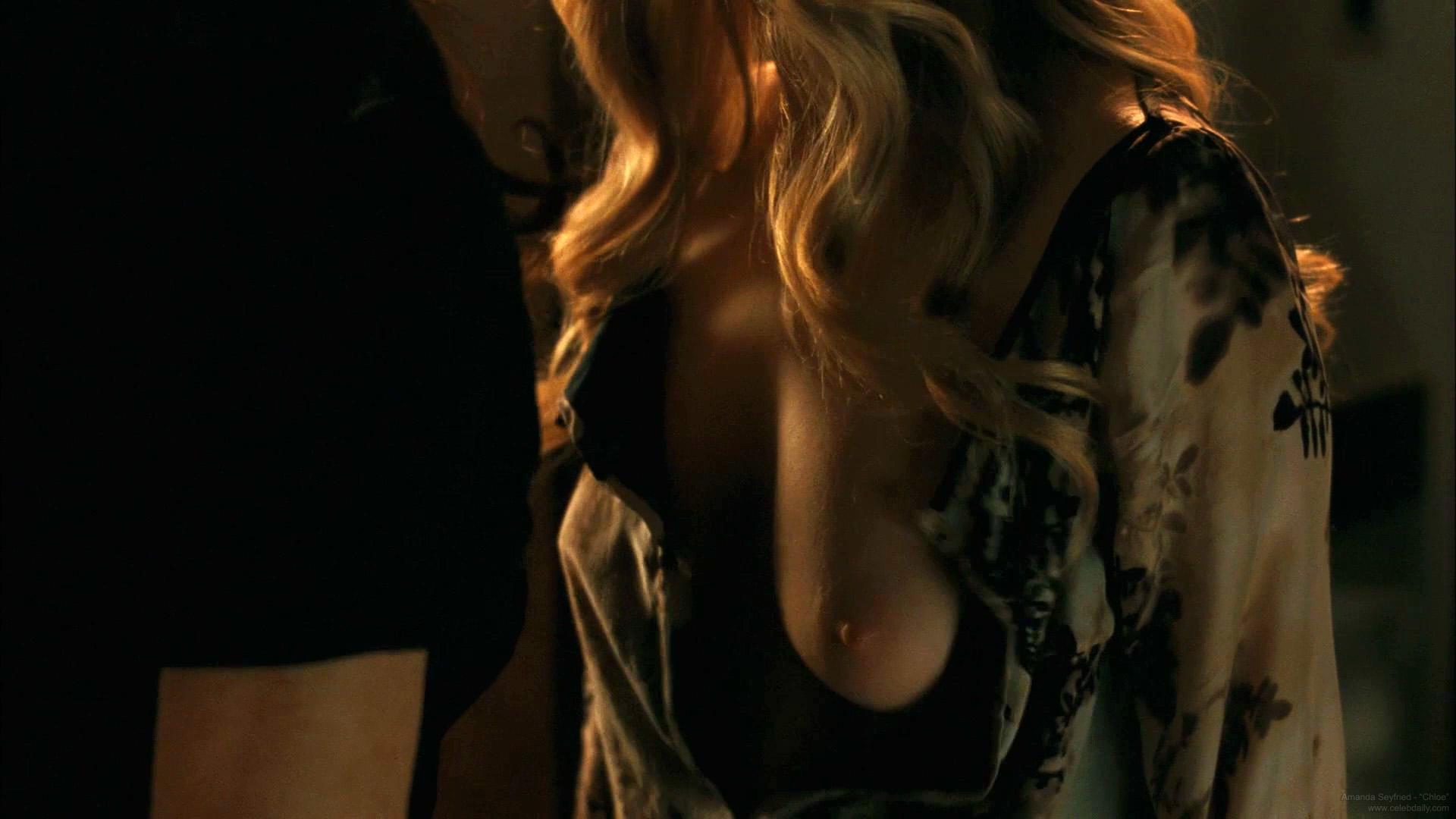 Women naked asshole photos