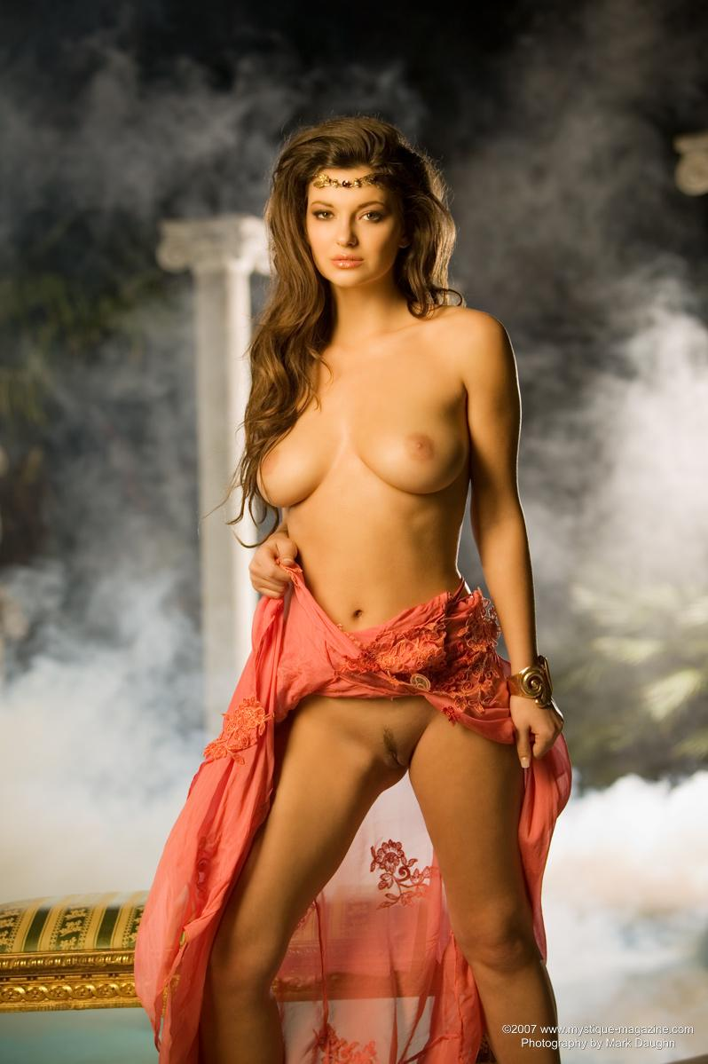 nude-ashley-rickards-women-with