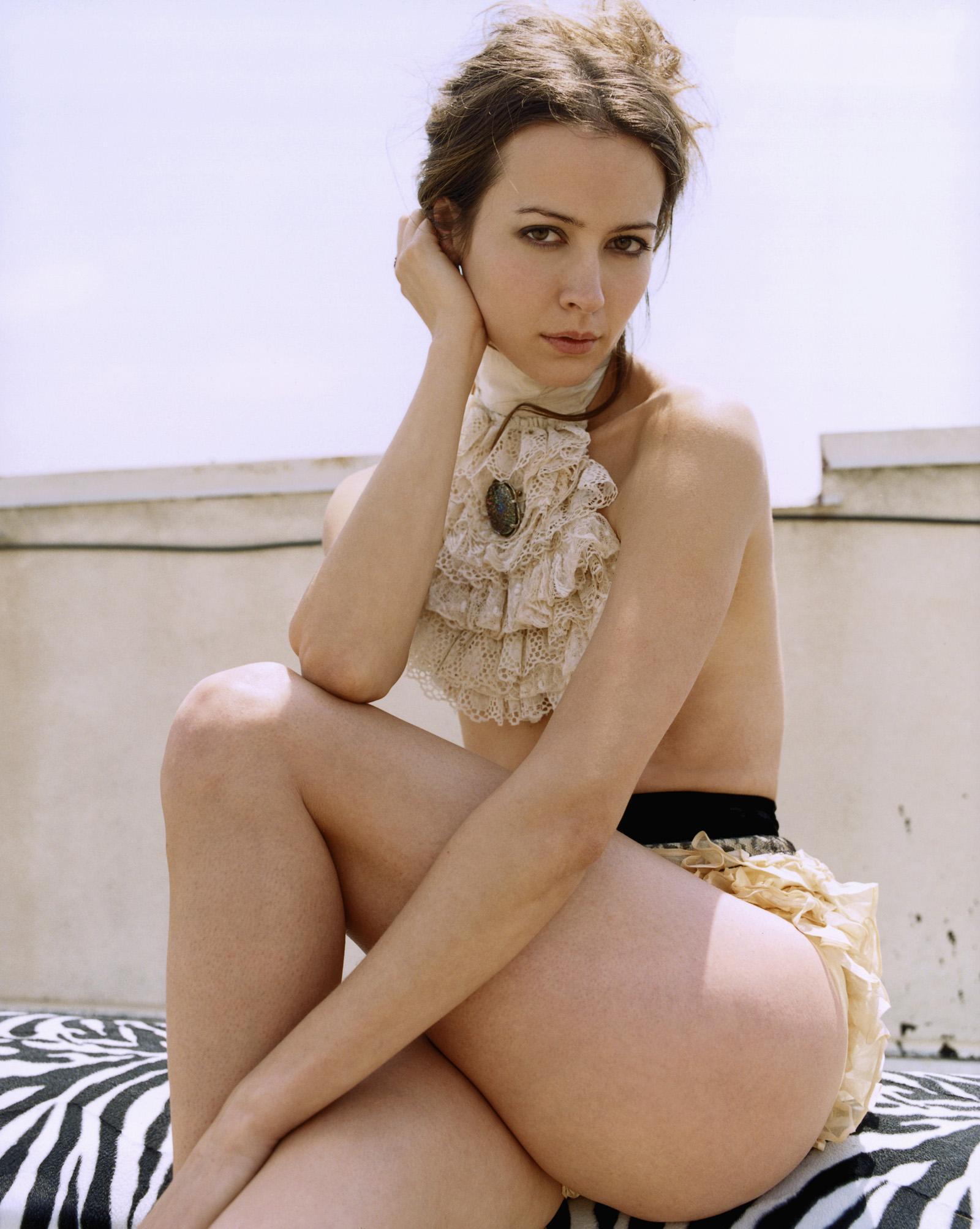 Amy acker nude photo