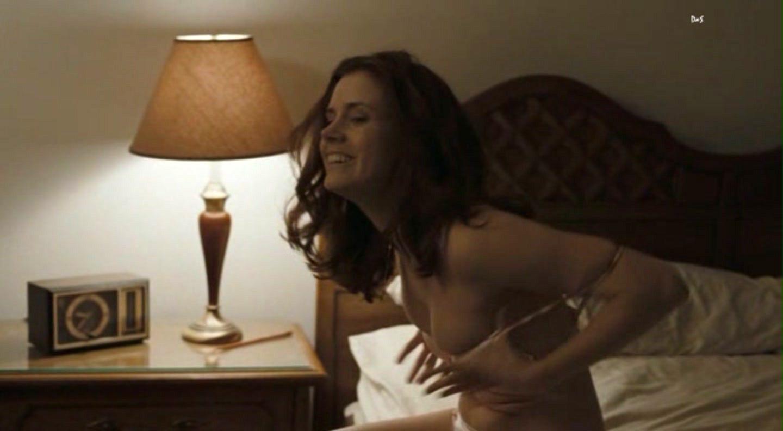Эротические сцены с эми адамс смотреть онлайн меня
