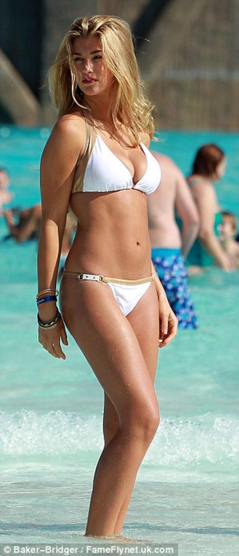 Amateur Teens im Bikini 036