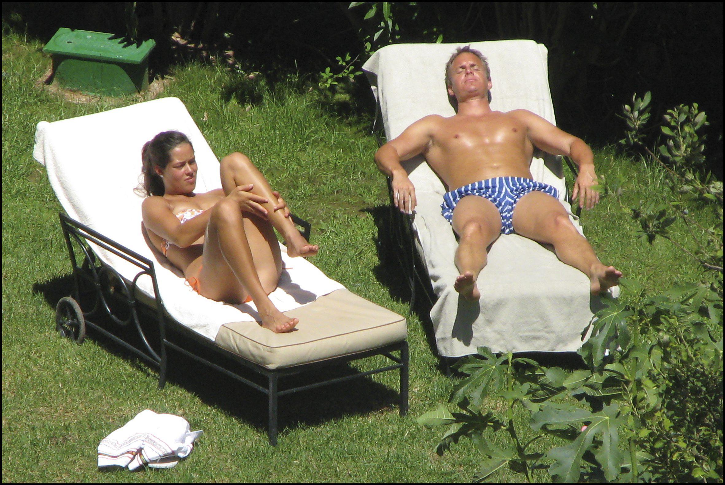 Free ivanovic naked pics, sexy naked midget bitch