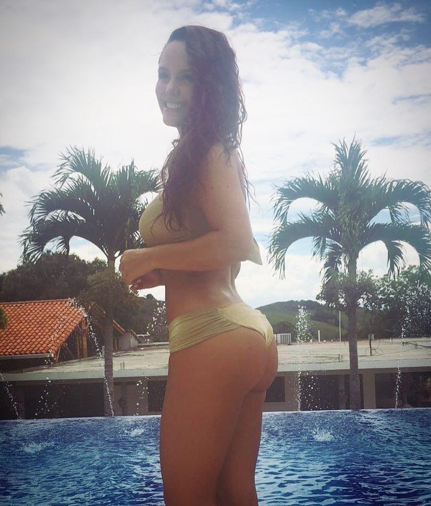 Ana Lucia Dominguez  nackt