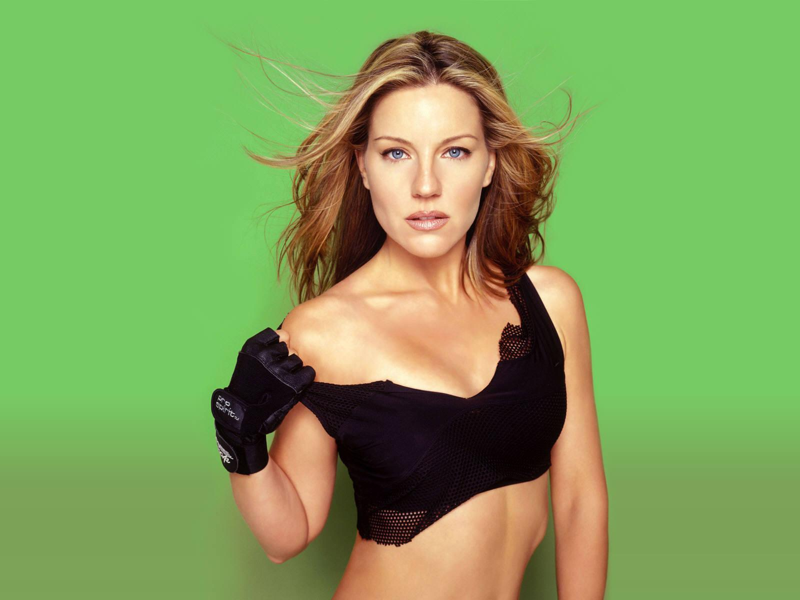 Download Andrea Parker Photoshoot Wallpaper Hd Free Uploaded By