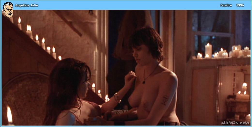 angelina-jolie-naked-pictures-in-wanted-euro-lesbian-tribbing-clips