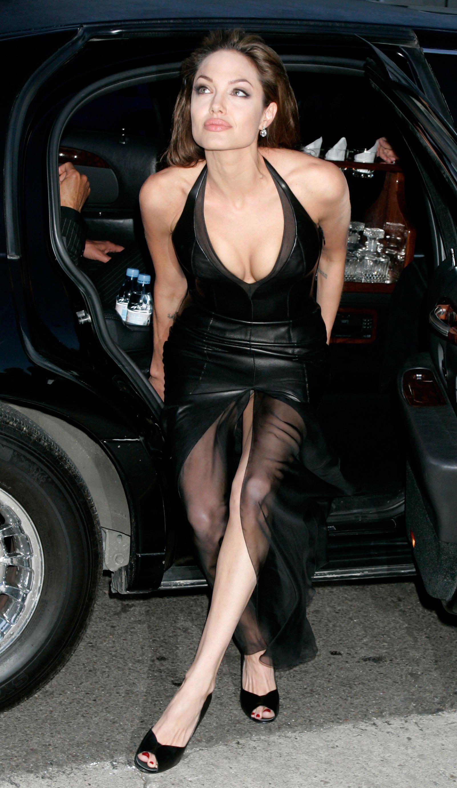 Angelina jolie desnuda videos gratis nude picture 89