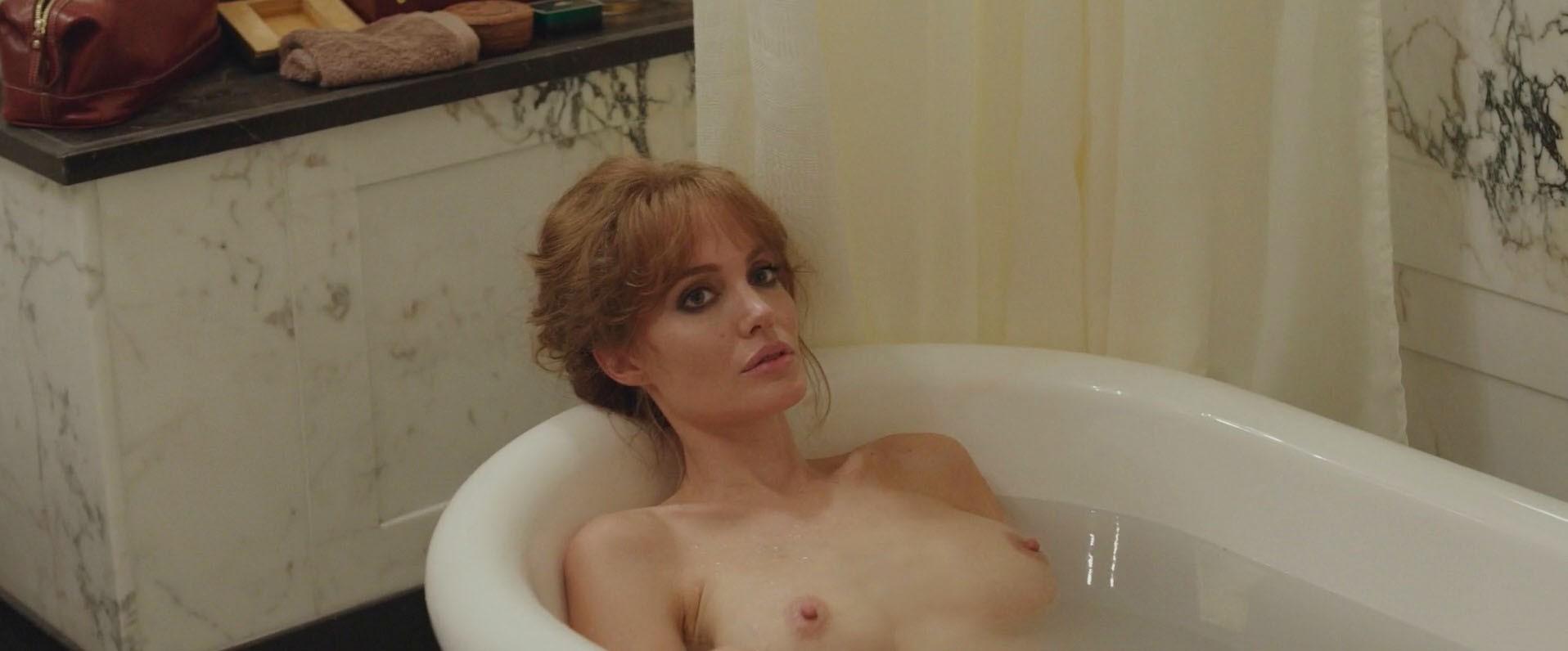 Angelina Jolie Film Nuda angelina jolie nude, naked - pics and videos - imperiodefamosas