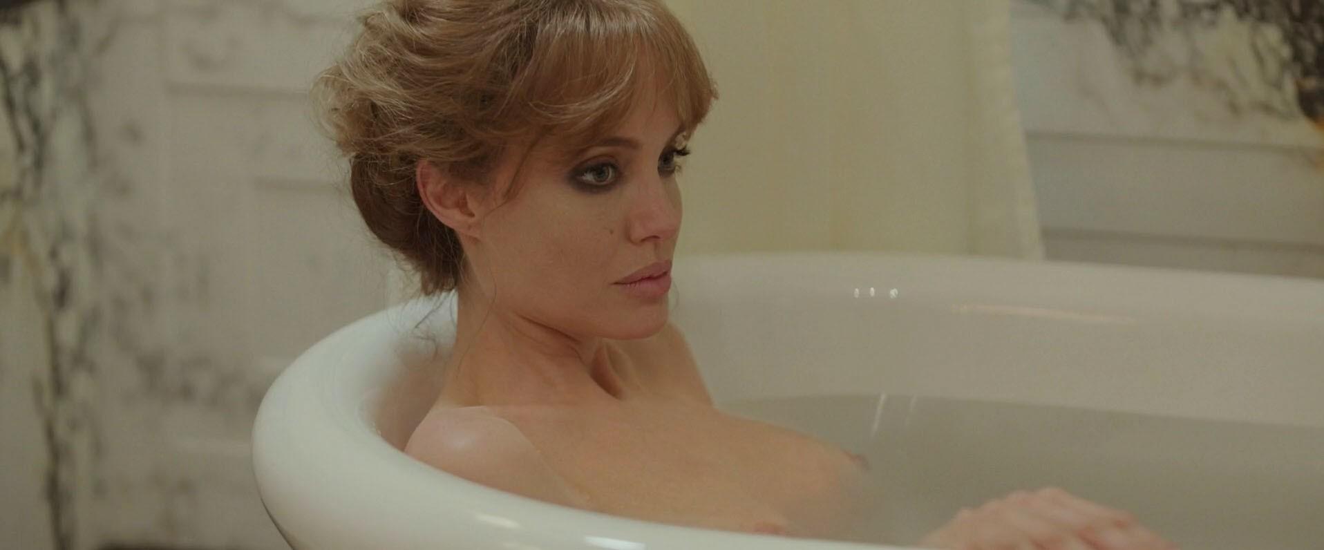 Angelina Jolie Mojave Moon Nude angelina jolie nude, naked - pics and videos - imperiodefamosas