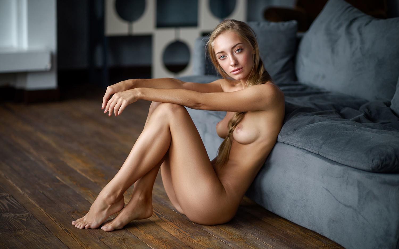 Anna i nude