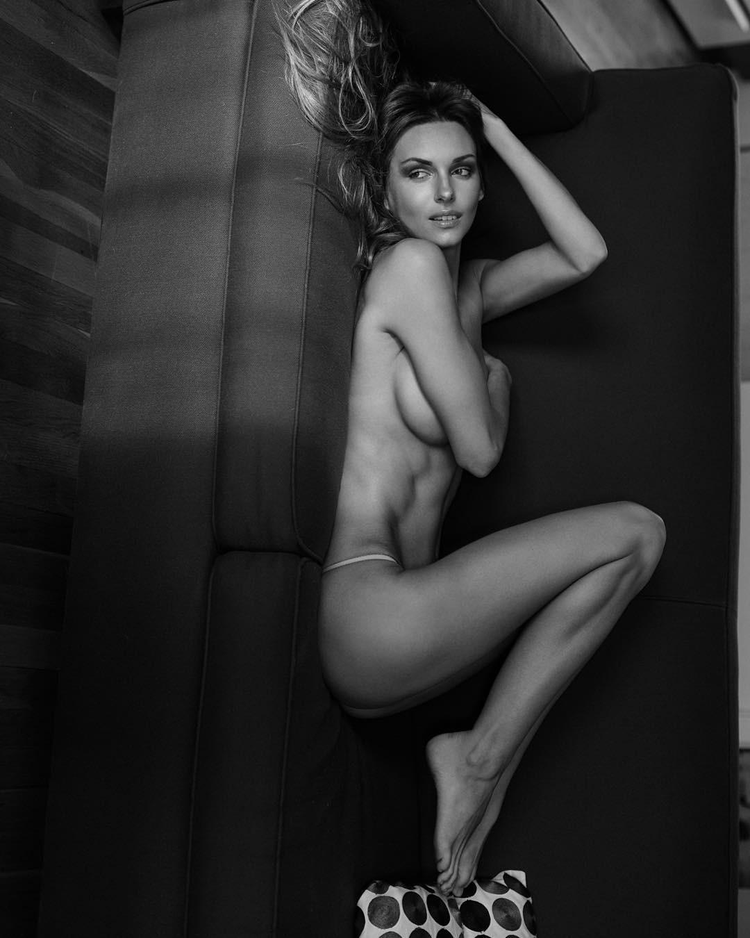 Mila nude photos-7364