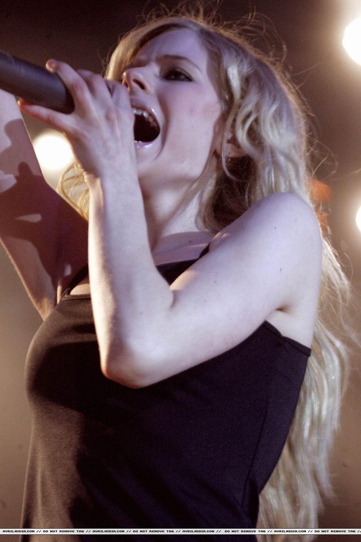Avril Lavigne - Sexy Arsch In Sexy Bikini Porno-Bilder