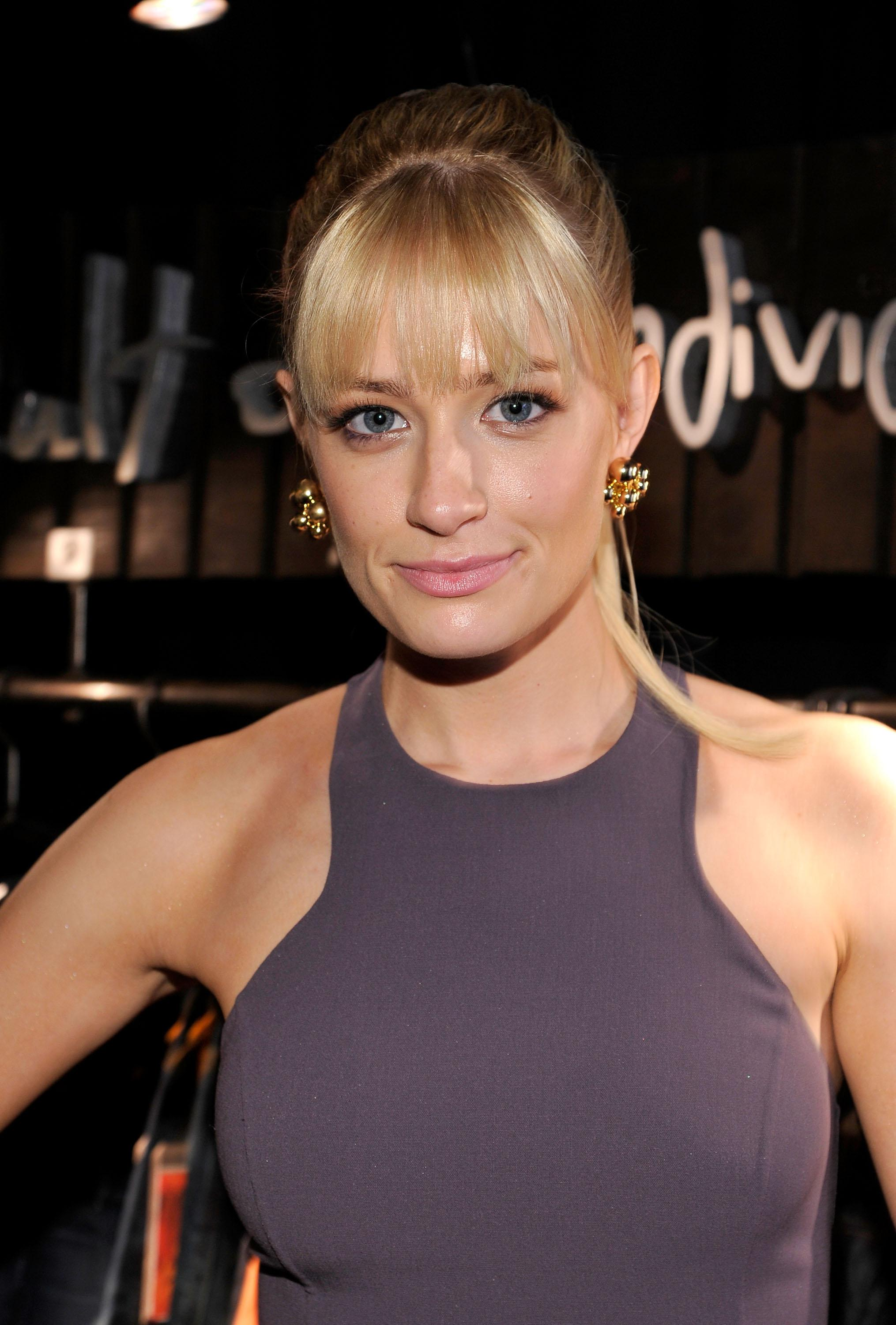 beth behrs celebrity people - photo #30