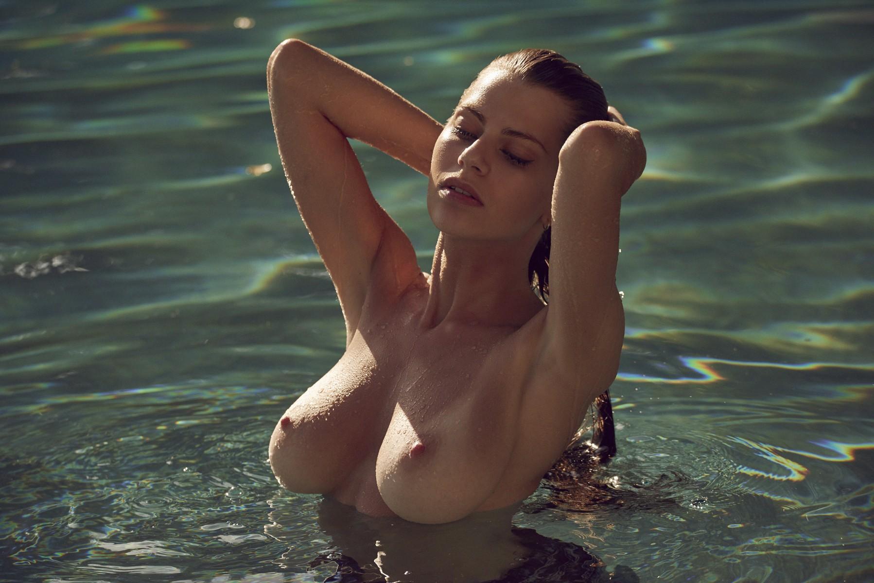 Kacey Barnfield Nude Sex