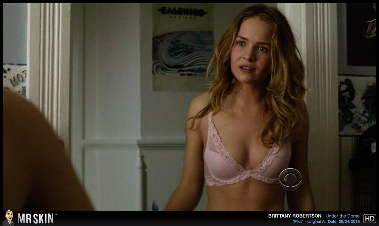 Britt robertson desnuda