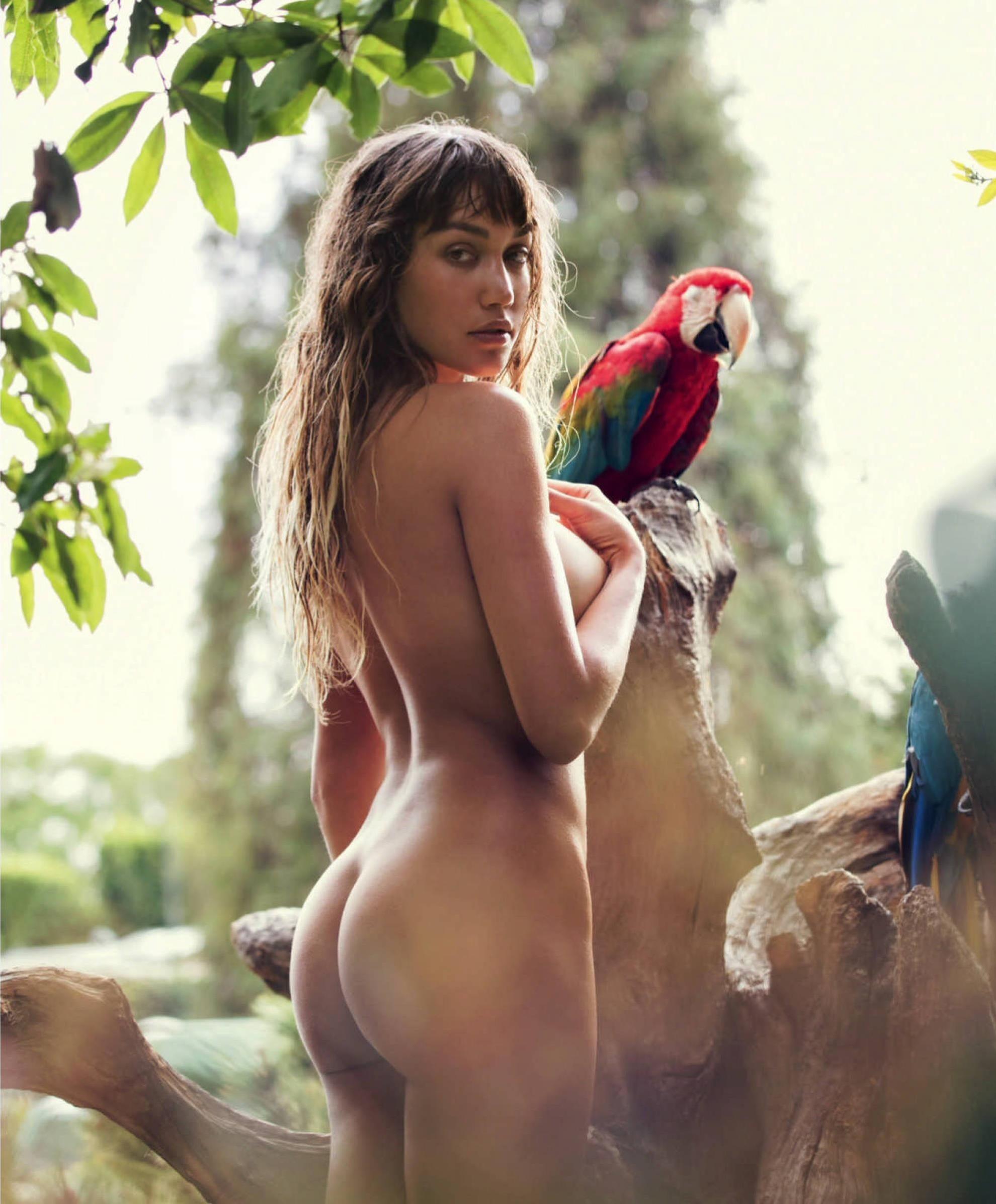 Naked pic of brooke, latina tits pics