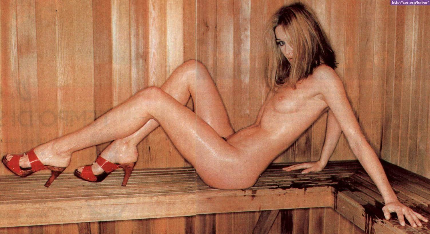 Nude L Carla Bruni
