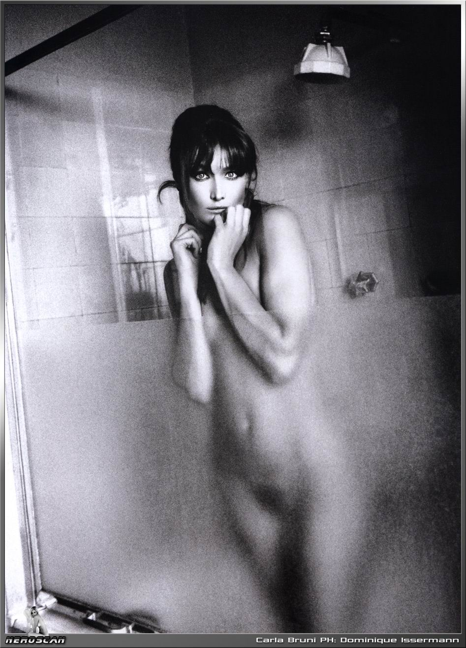 Nude photo of french first lady, carla bruni