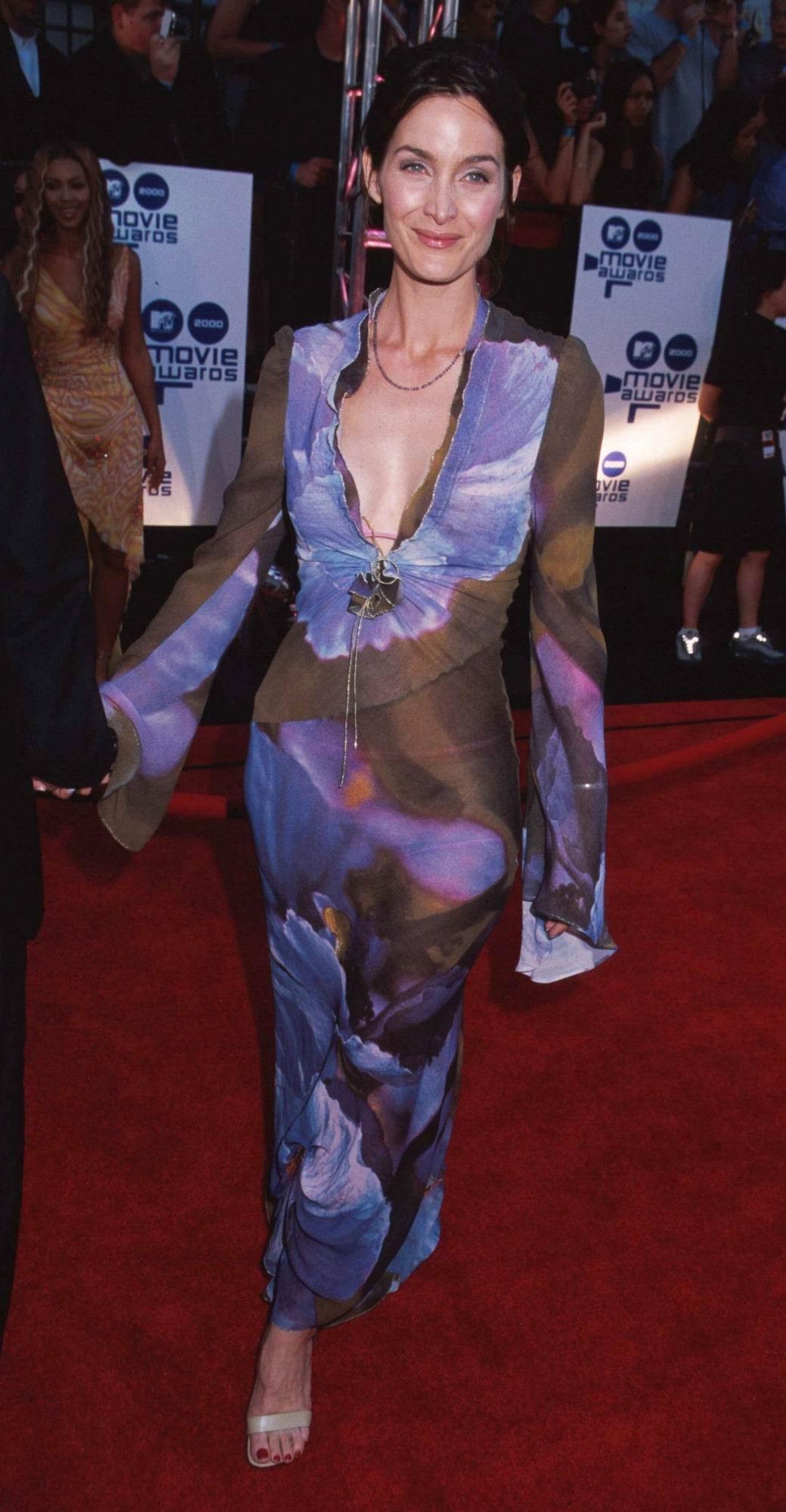 Carrie Anne Moss Desnuda Fotos Y Vídeos Imperiodefamosas