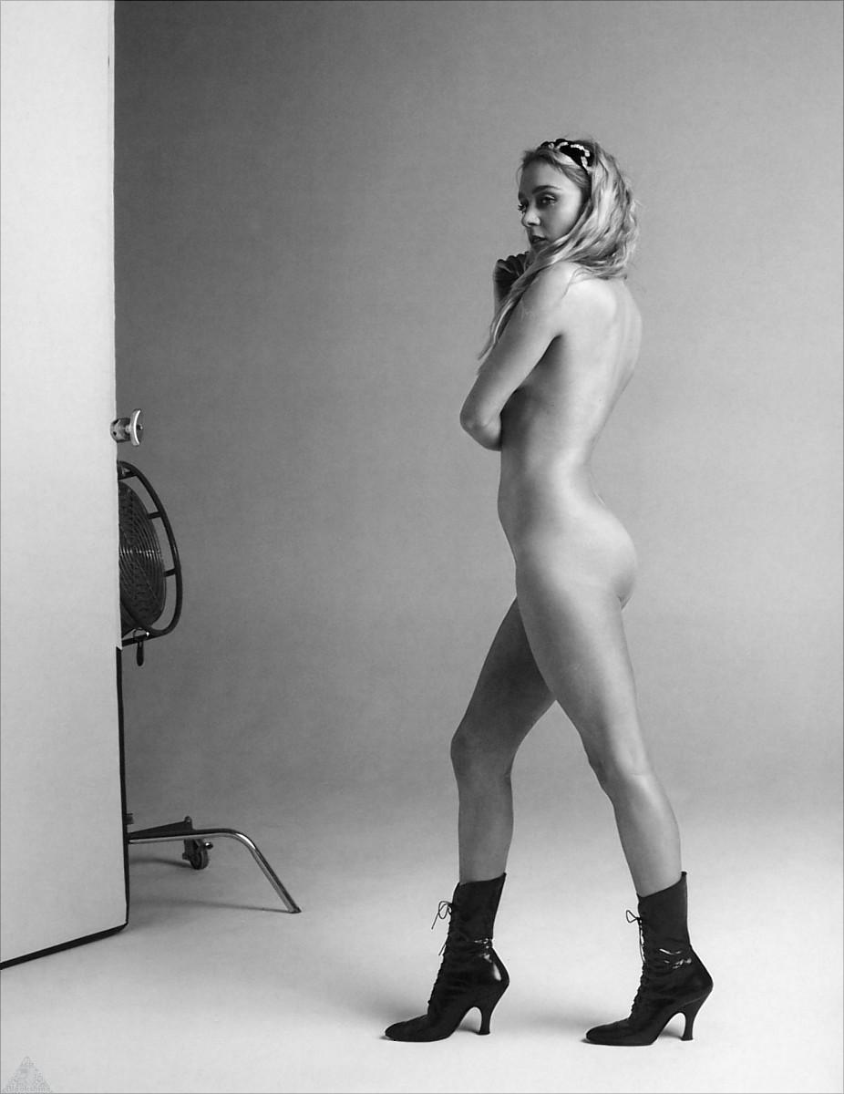 Chloe Sevigny Nude Boobs And Fake Penis In Hit And Miss Series
