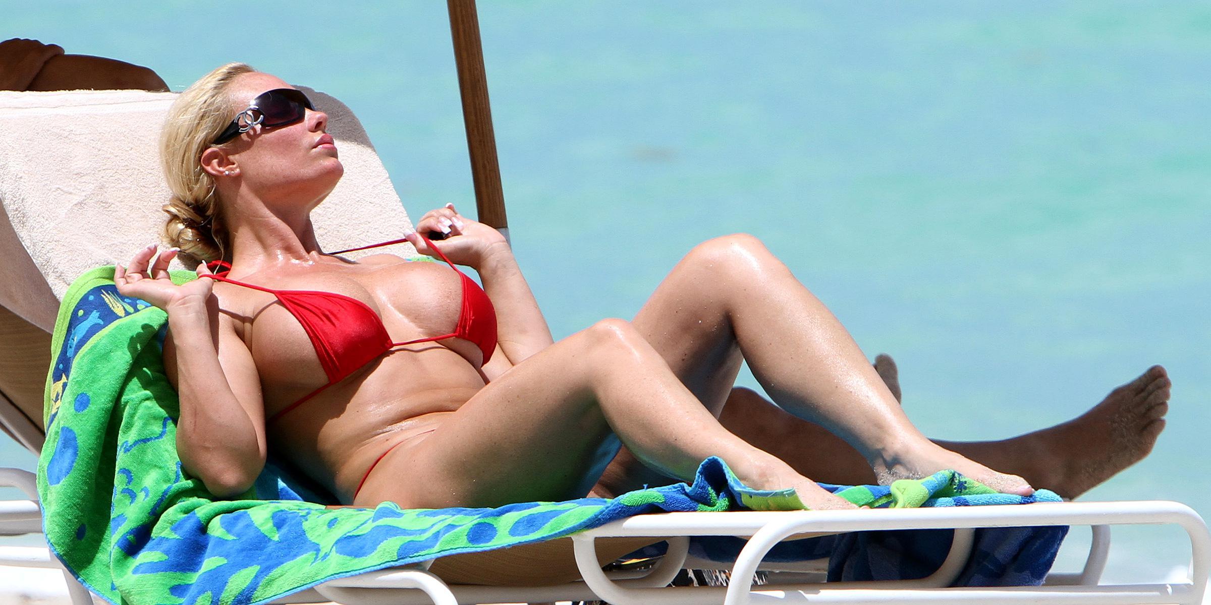 nicole-austin-beach-nude