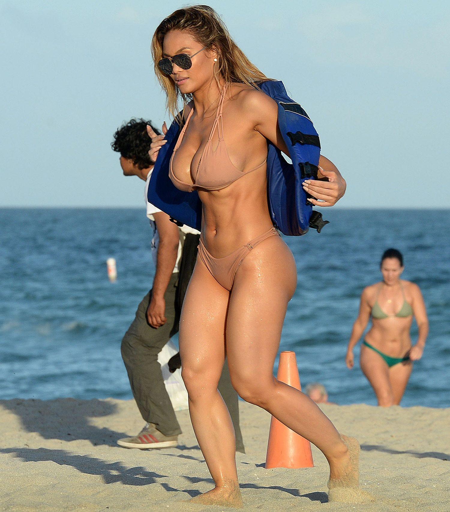 Mercedes maxwell sex from marfa girl on scandalplanetcom - 1 9