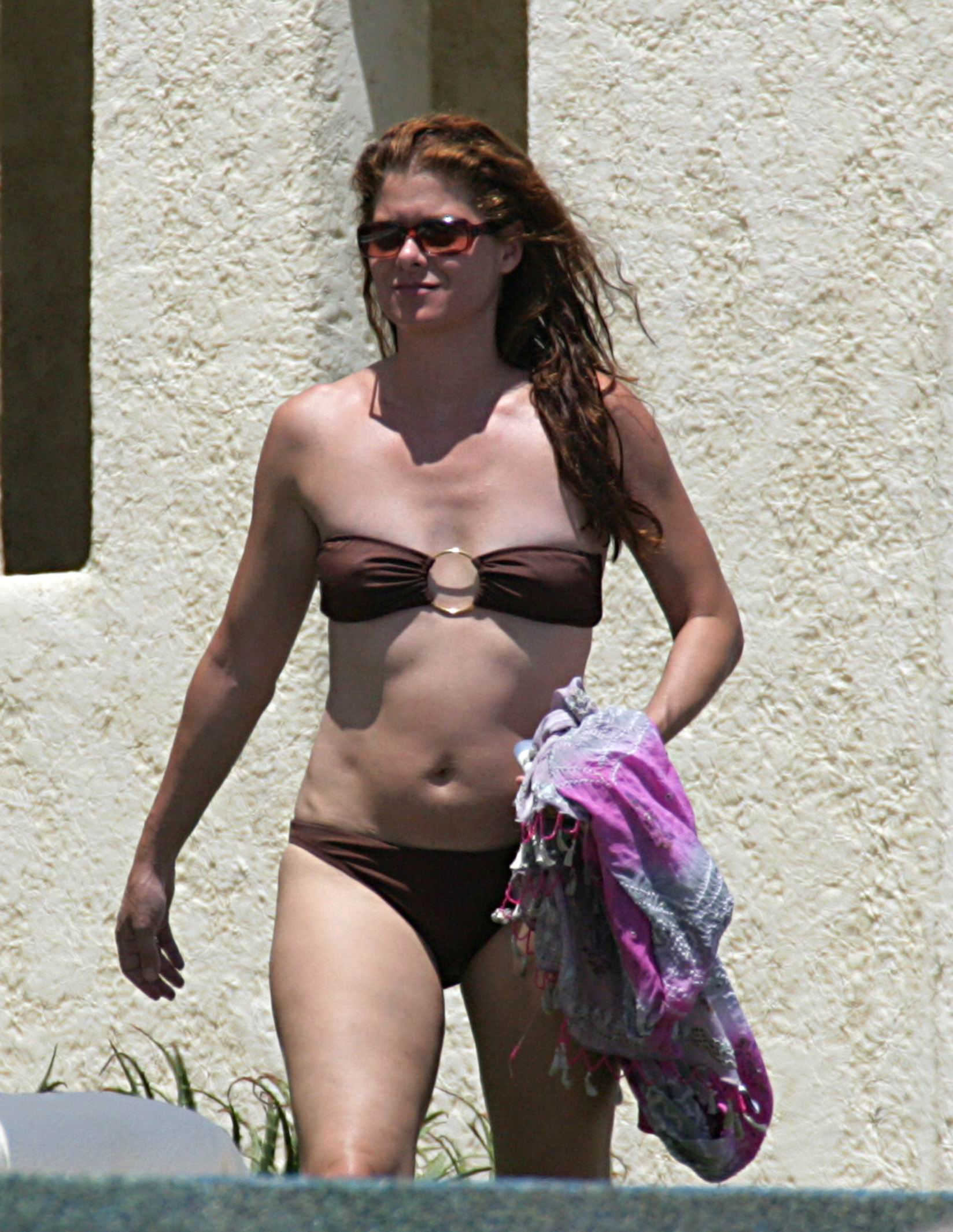 Debra Messing Nude - Page 4 Pictures, Naked, Oops, Topless -4765