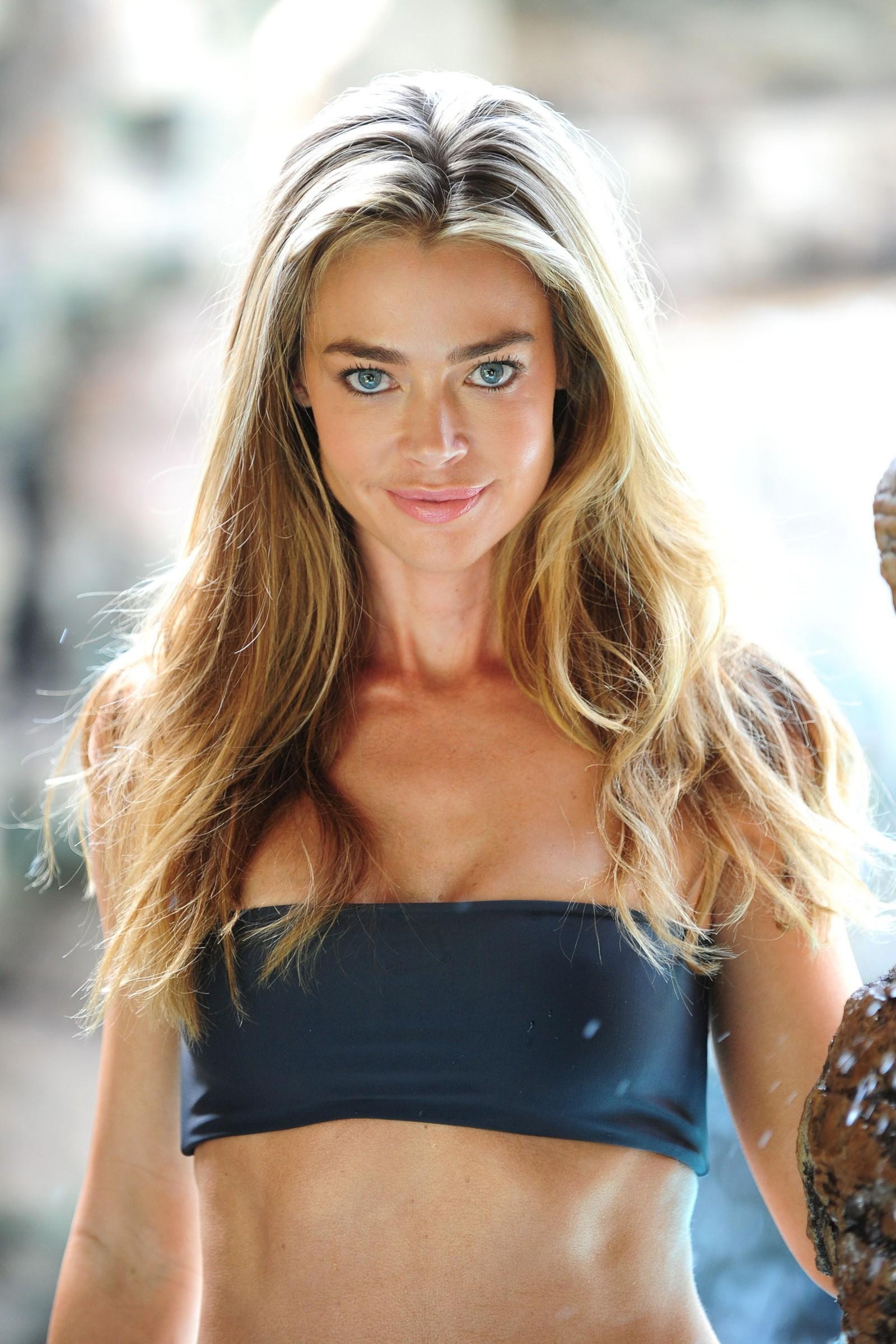 Denise Richards Desnuda Fotos Y Vídeos Imperiodefamosas