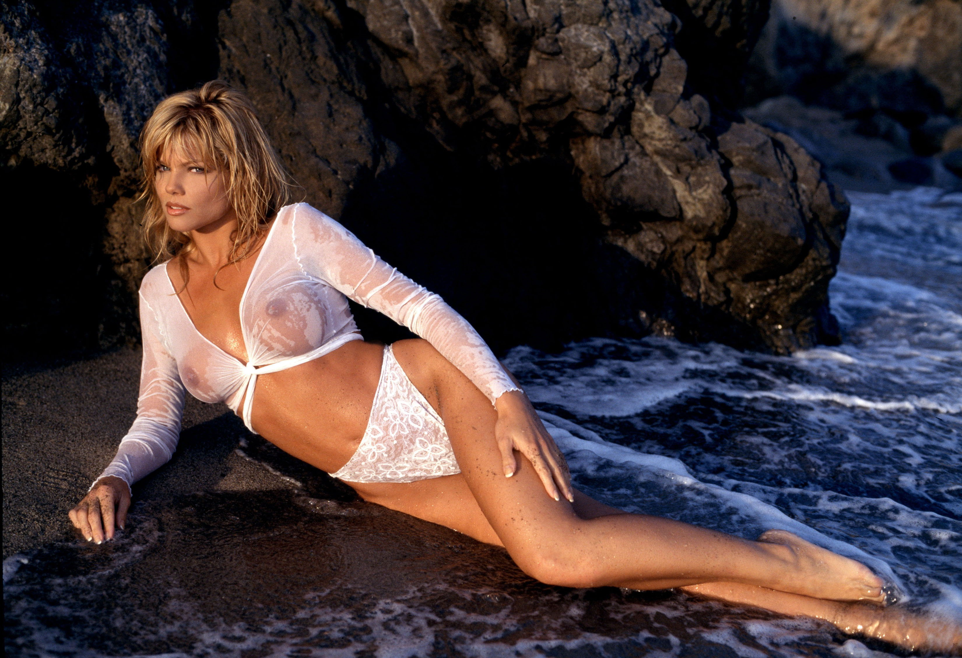 Baywatch Beauty Donna D'errico On Searching For Noah's Ark, And Leaving Her Wild Past Far Behind