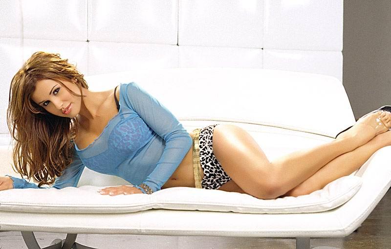 Jennifer Walcott gets her tight pussy