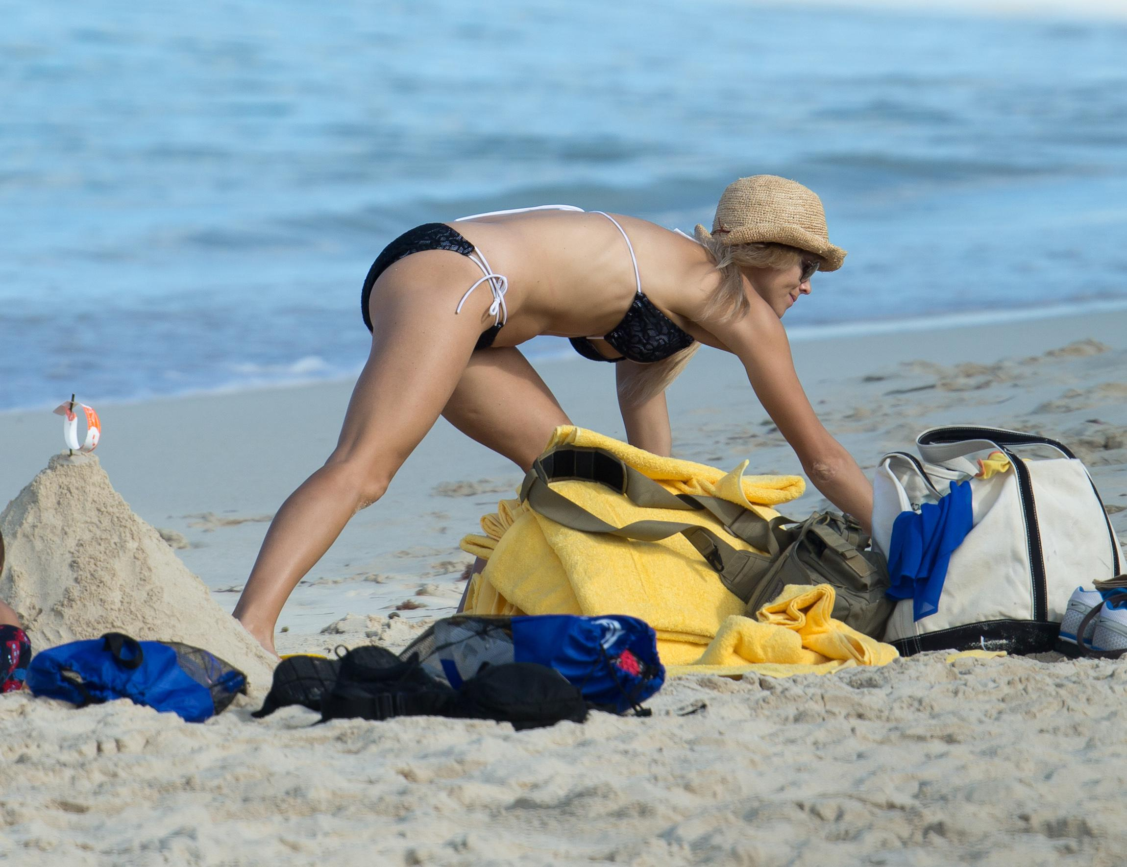 Bikini picture of elin nordegren