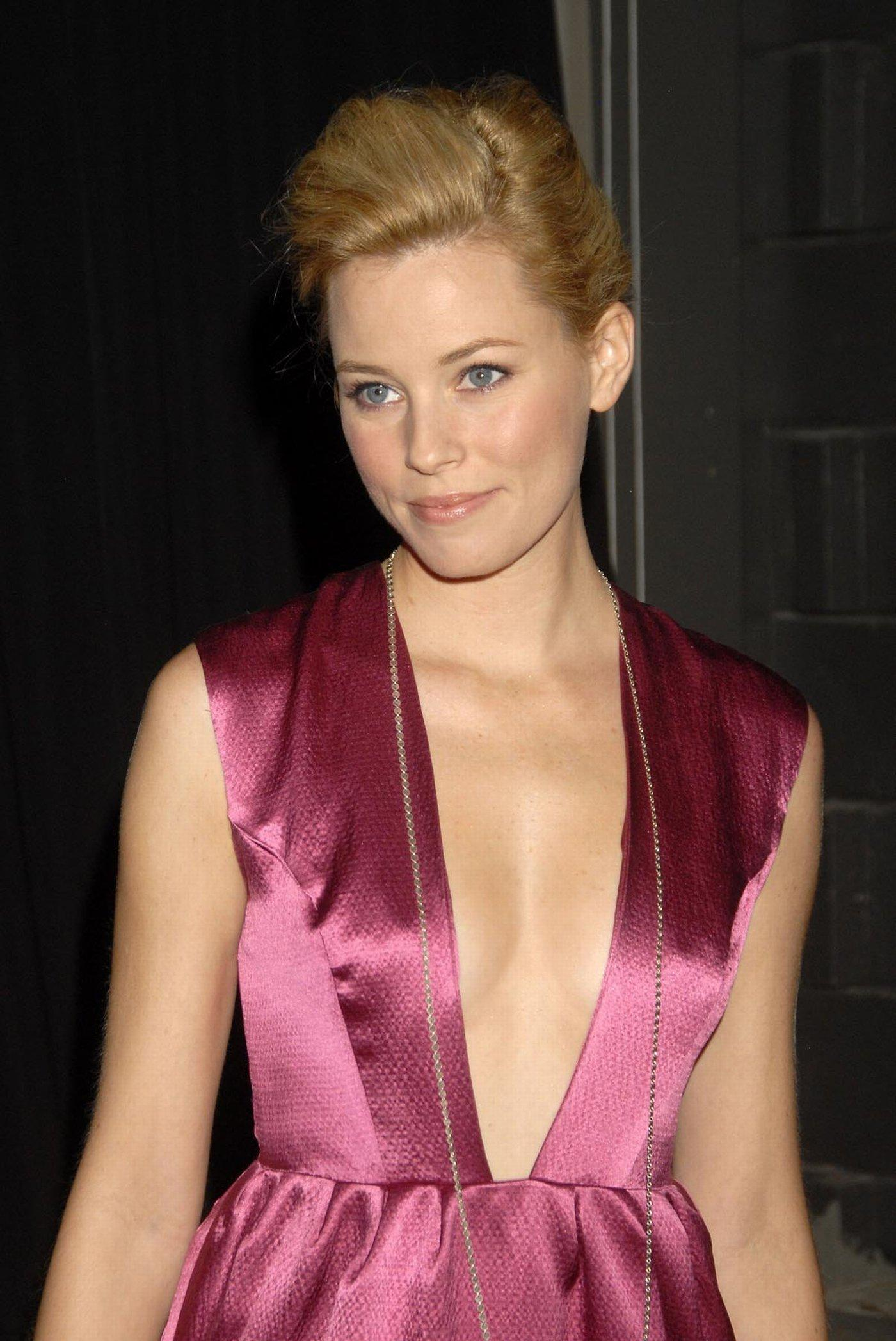 Elizabeth Banks Nude - Side 7 Billeder, Naked, Ups-7839