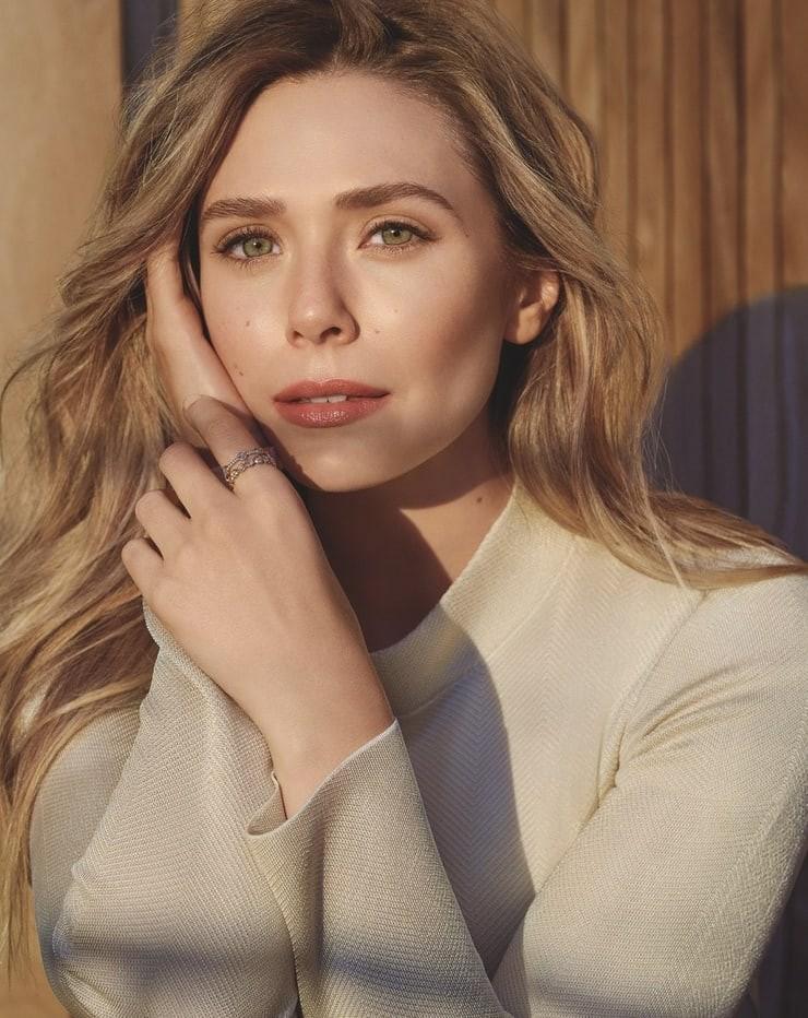 nackt Olsen Elizabeth Elizabeth Olsen