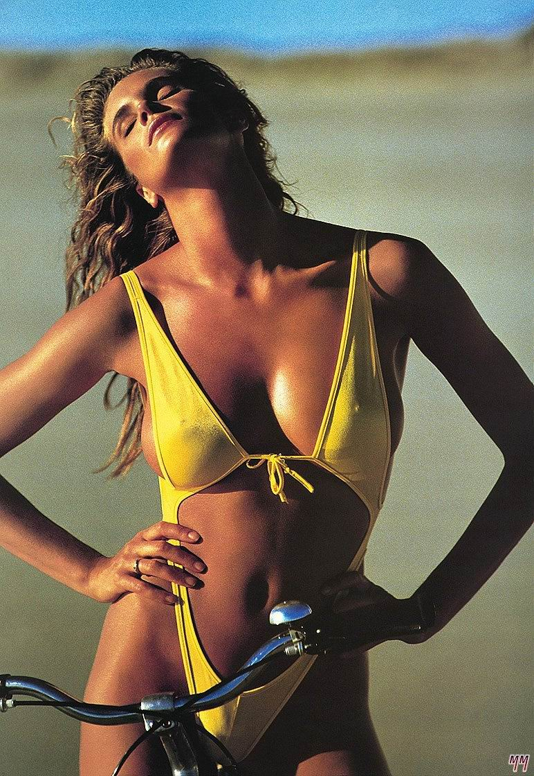 Elle Macpherson Nude - Page 6 Pictures, Naked, Oops -4221