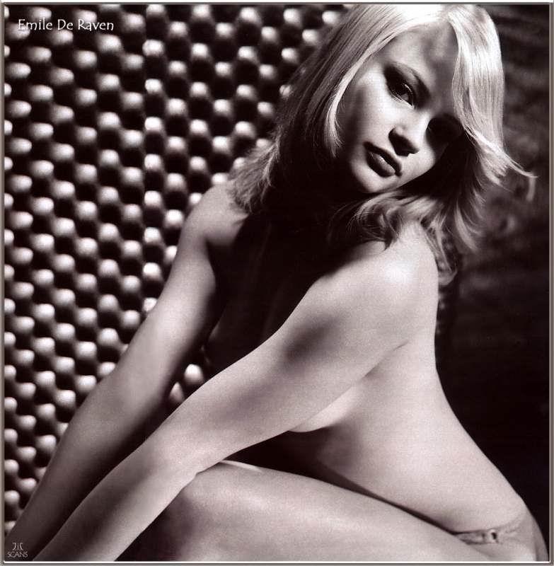 Emilie De Ravin Nude Pics, Page