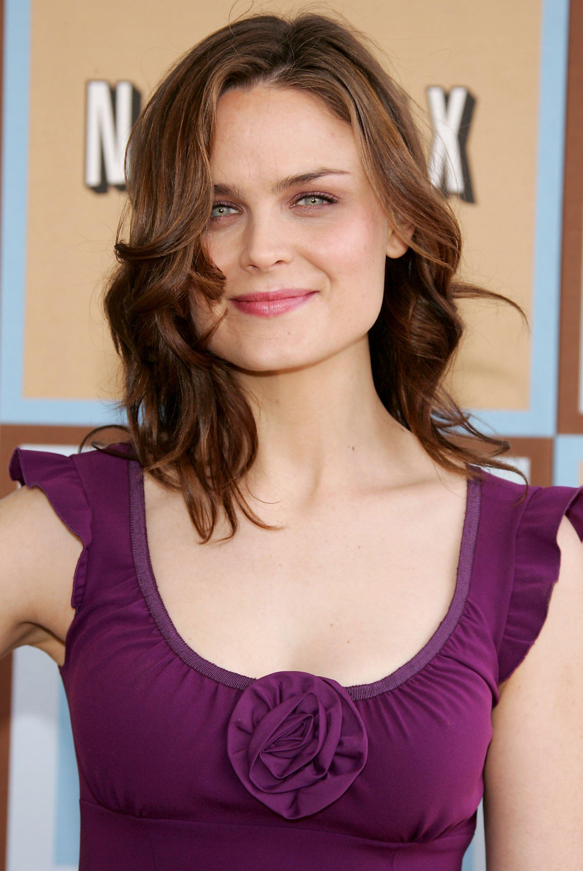 Emily Deschanel Nude - Page 2 Pictures, Naked, Oops, Topless, Bikini, Video, Nipple-7823