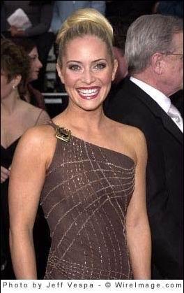 Vdeo Emily Procter CSI-Miami desnuda en Breast Men