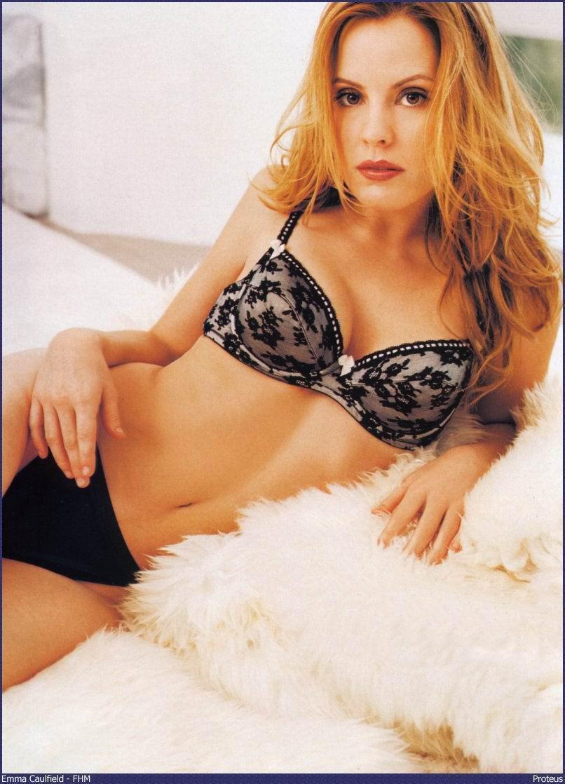 Emma Caulfield nackt, Oben ohne Bilder, Playboy Fotos,