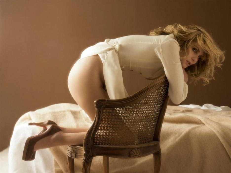 Emmanuelle Seigner Nude Pics