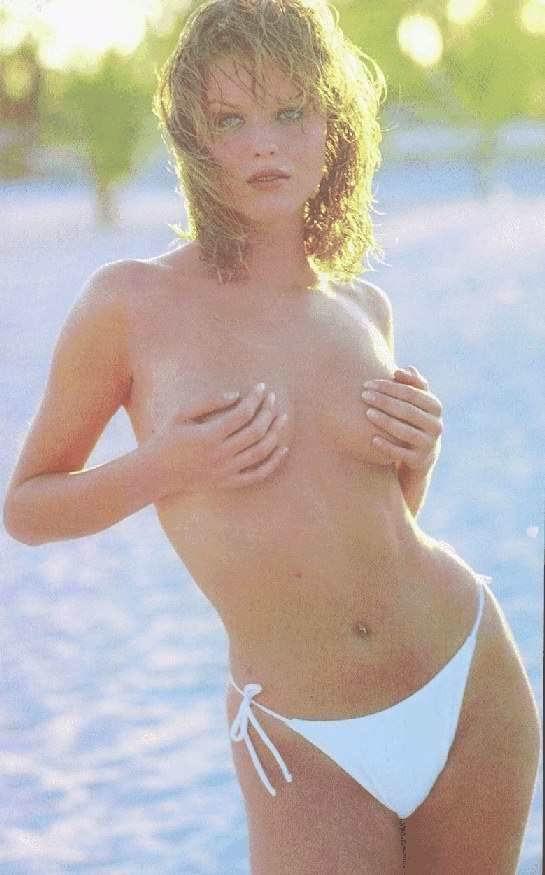 eva-herzigova-nude-pussy-sex-hips-nude-girl